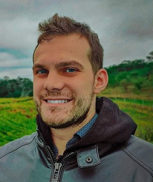 Dr. Alex Vicente Spadini